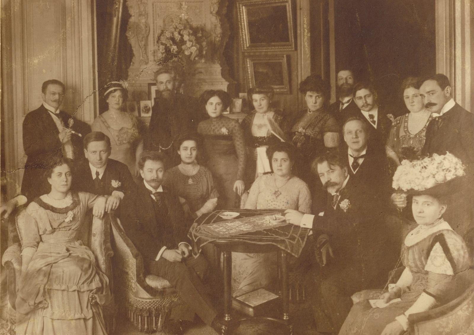 1910. Скрябин А.Н. и Шлёцер Т.Ф. на обеде в честь Ф.И. Шаляпина у Метцля Л.М. 14 марта