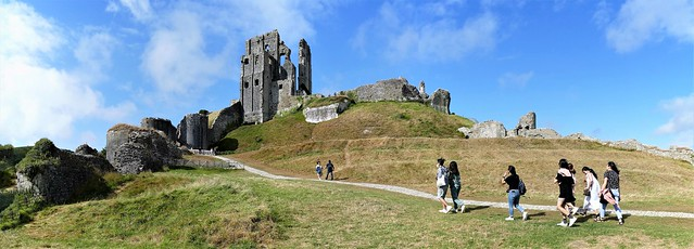 Corfe Castle Panorama-2 Stitched. Lumix DMC FZ1000. P1290808-P1290814.