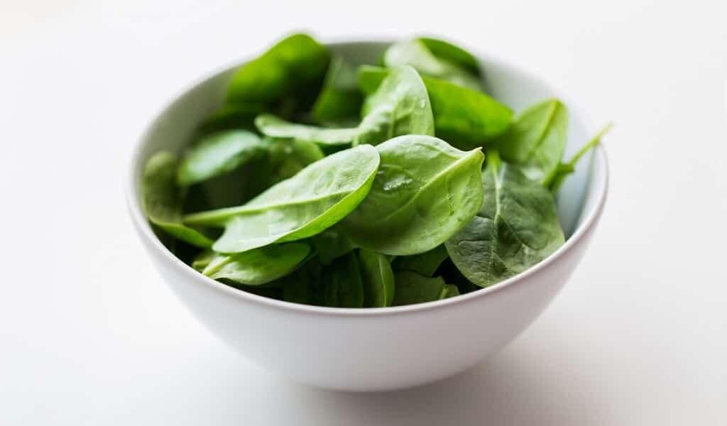 Manger des épinards protège contre le cancer du côlon