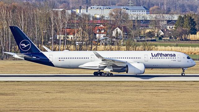 Lufthansa Airbus A350-900 D-AIXI