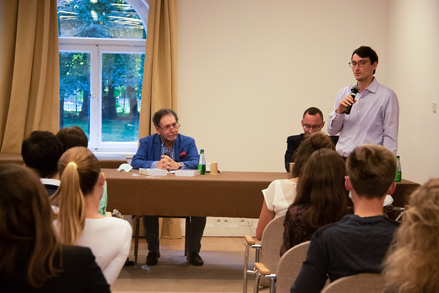 Meeting of the European Neighbourhood Policy Chair and European Civilization Chair with the Natolin students