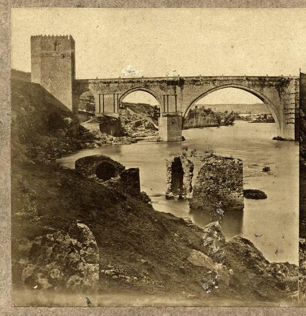 Puente de San Martín en Toledo en 1857 por Eugène Sevaistre. Archivo Municipal, Ayuntamiento de Toledo (Colección Luis Alba)