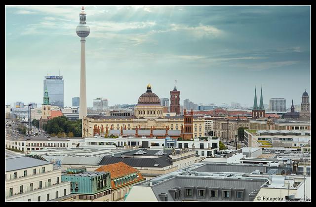 Über den Dächern von Berlin II