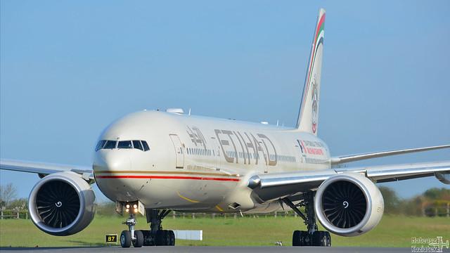 Etihad Airways 🇦🇪 Boeing 777-300 A6-ETG