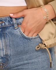 SUNSHINE ON MY MIND ☀️ Oder besser gesagt: on my wrist  Mit unseren zarten Armbändern 'CZ Sun' & 'Greece' tragt ihr den Sommer immer bei euch! #sun #wrist #sunshine #zirkonia #armband #apricotgirls #jotd #jewelryoftheday #thisiscologne #köln #jewelr
