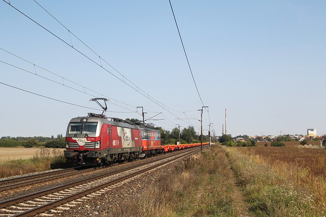 Cargo Motion 193 749-9 en IDS 140 094-4 bij Kamenné Zboží op 10-9-2021