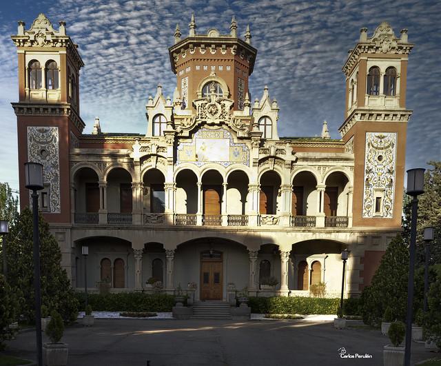 Palacio Larrinaga (zaragoza)