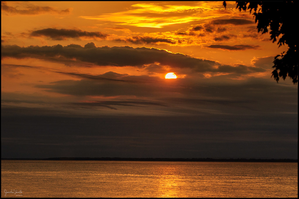 Au couchant ... At sunset