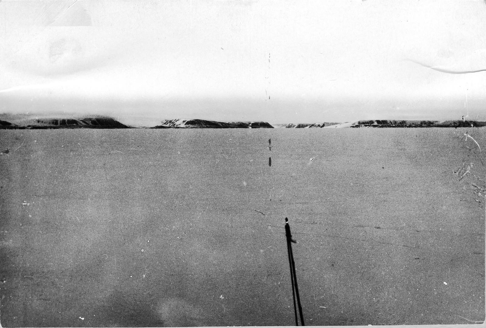Берега Северной Земли с борта ледокольного парохода «Русанов».