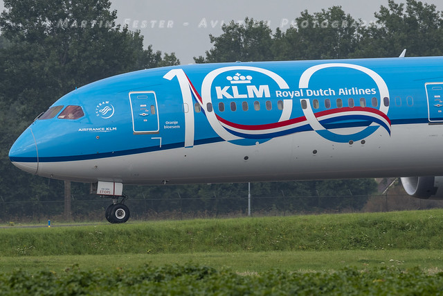 PH-BKA // KLM // Boeing 787-10