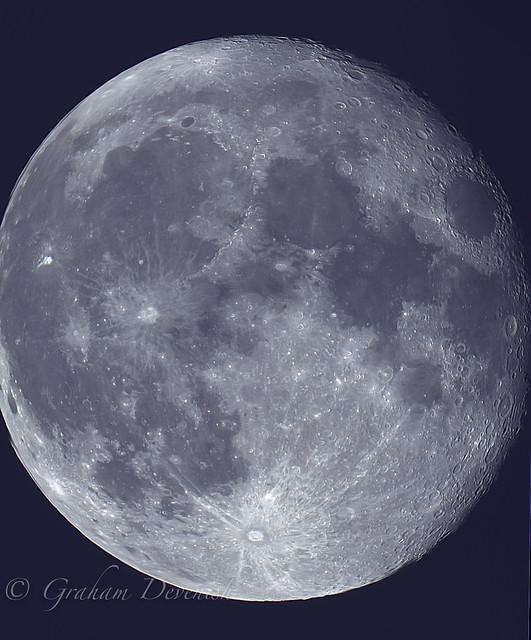 Moon_Bin1_1_lapl5_ap2433_stitch_Registax_ps