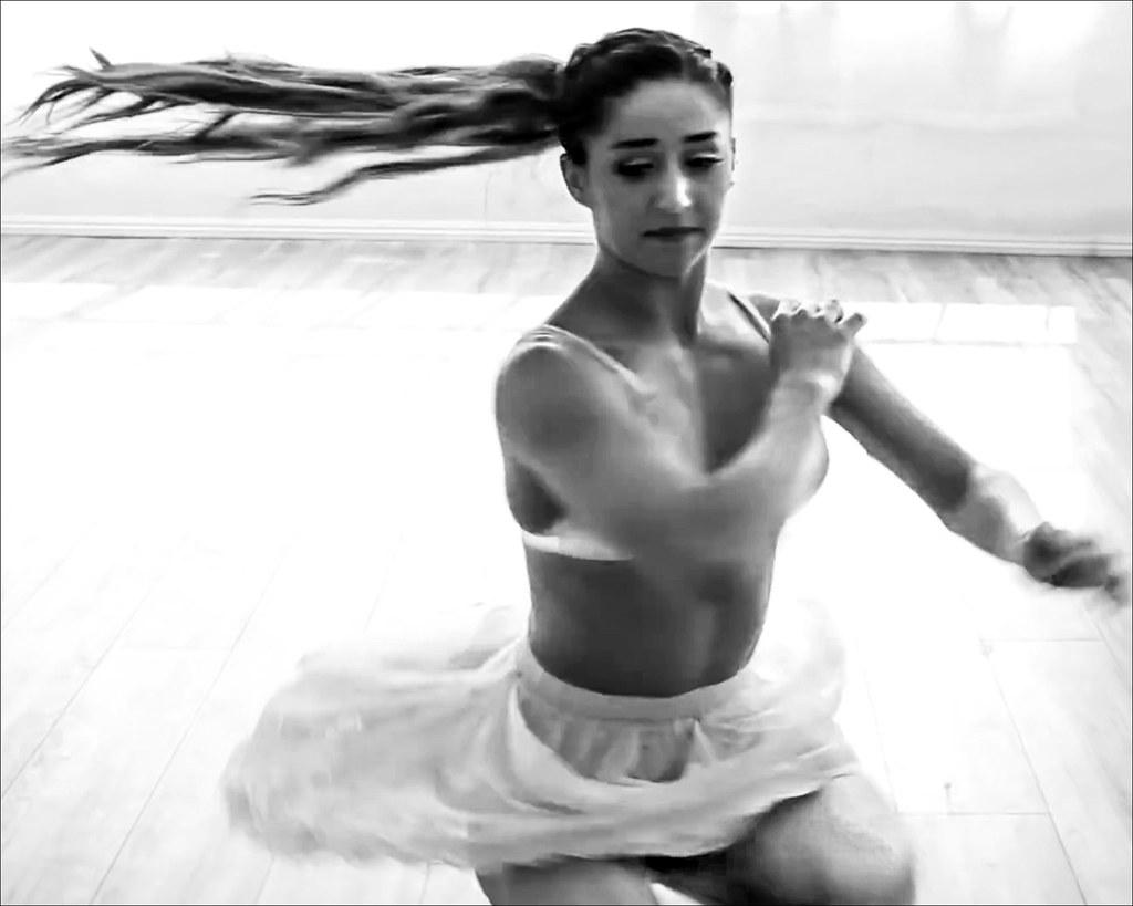 Dance ¬ 4755