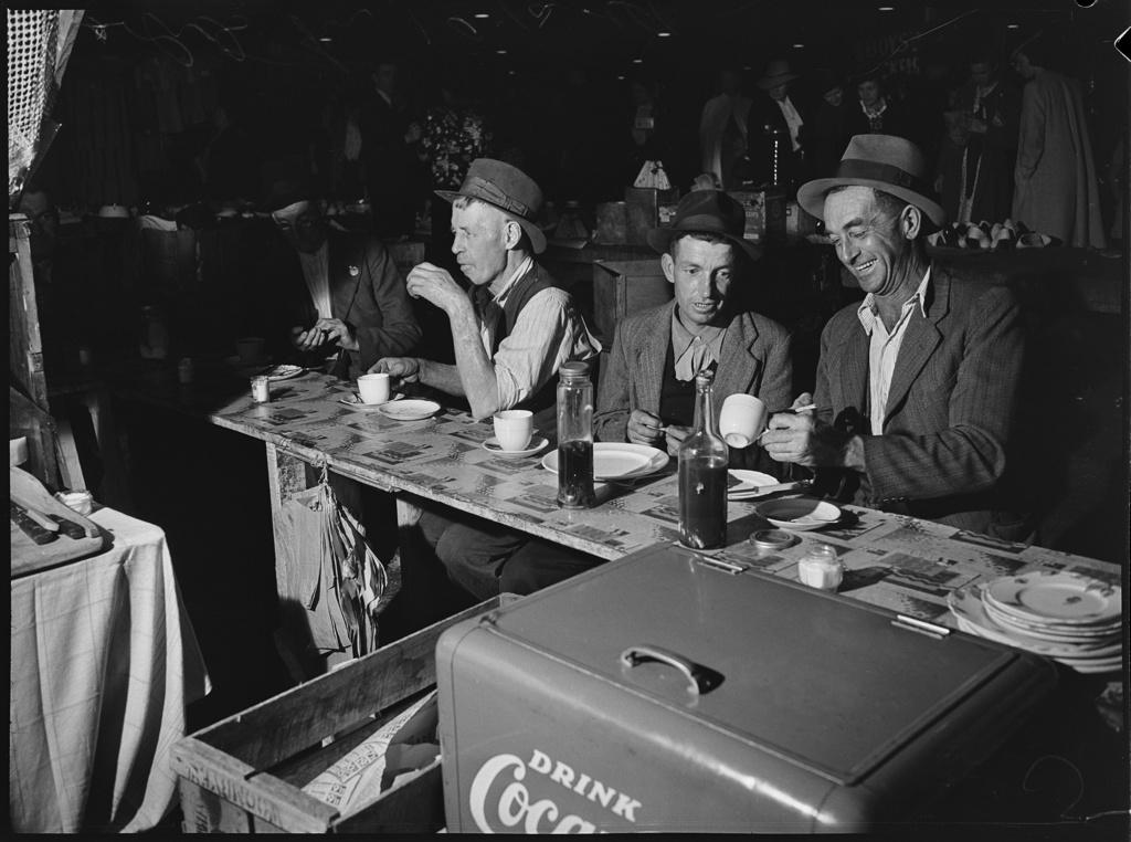 Food Stall, Friday night market, Haymarket, Sydney, 1941