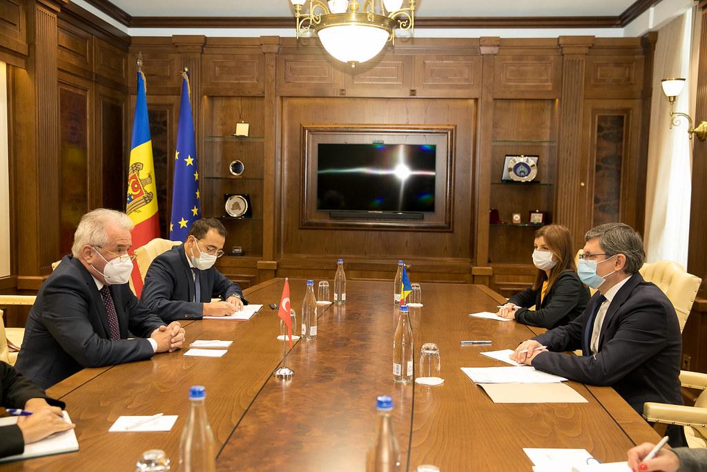 24.09.2021 – Întrevederea Președintelui Parlamentului, Igor Grosu, cu ambasadorul Turciei în Moldova, Gürol Sökmensüer