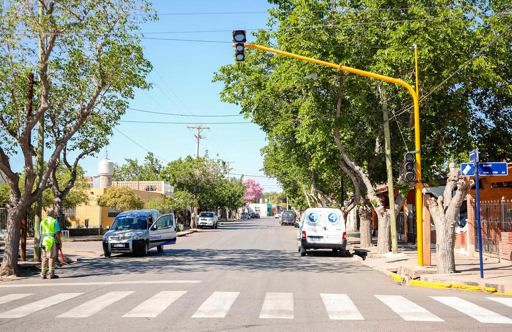 2021-09-24 Semáforo calle Brasil y E. Echeverría