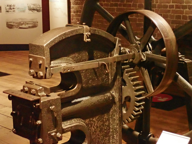 P6160281 Puncher - Shearer Machine, about 1850