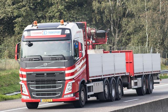 Volvo FH4 globetrotter drawbar, from Croonen Transport, Holland.