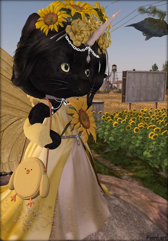 "<a href=""https://pieni.art/fashion-dinkies-sunflower/"" rel=""noreferrer nofollow"">Pieni.art blog post</a> ""Fashion Dinkies: Sunflower"" with pic, details and links."