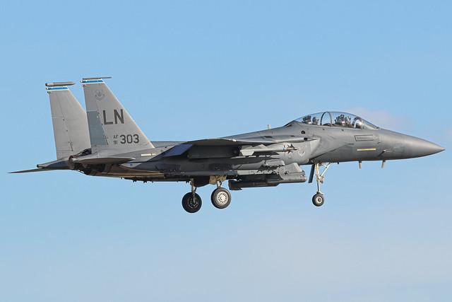 91-0303 McDonnell Douglas F-15E arriving into RAF Lakenheath