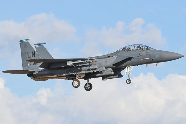 91-0315 McDonnell Douglas F-15E arriving into RAF Lakenheath