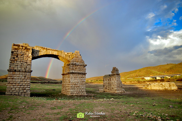 "✅ "" Vivimos en un arcoíris de caos "" 📍Garrovillas, Extremadura."