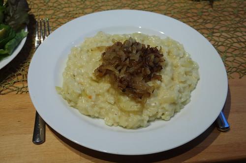 Rys und Pohr (= Schweizer Risotto) mit geschmorten Zwiebeln