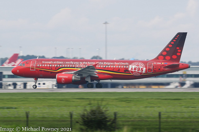 OO-SNA - 2001 build Airbus A320-214, Belgian Red Devils logojet rolling for departure at Manchester