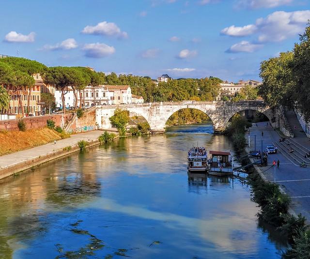 Ponte Cestio / Rome