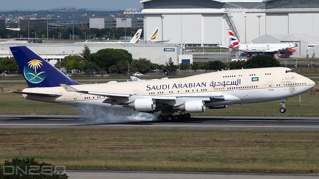 Saudi Arabian Royal Flight 747-400 CN 28343 1265   HZ-HM1