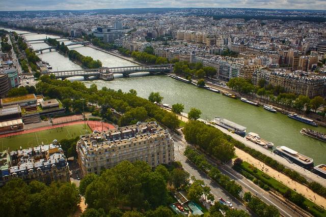 Heading down the Seine