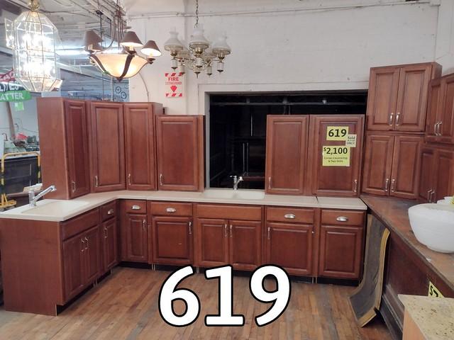 Kitchen Cabinet set 619