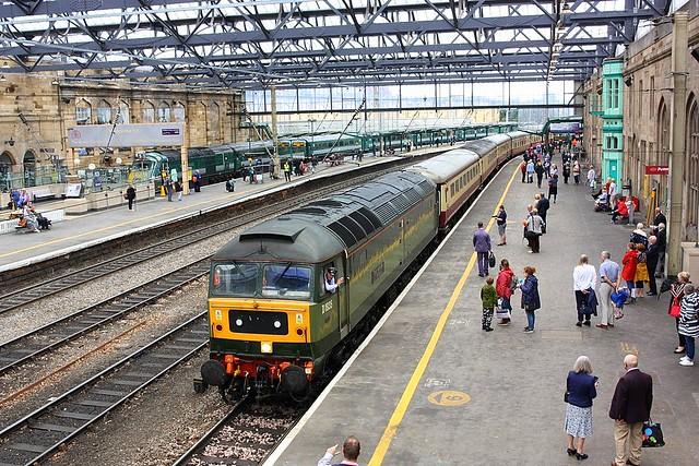Two tone Green at Carlisle