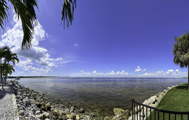 Splendid Saturday Spectacular Sky Scene Spans Serene Seaside - IMRAN™