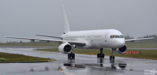 Titan Airways 🇬🇧️ Boeing 757-200 G-POWH