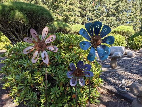 metal flowers @ Mason-Rivera Sculpture Garden
