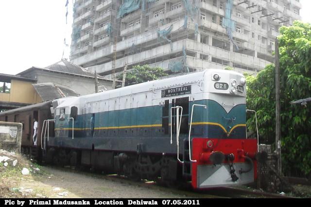 M2c 626 on passenger train (No 8741 Maradana - Kalutara South) in Dehiwala in 07.05.2011