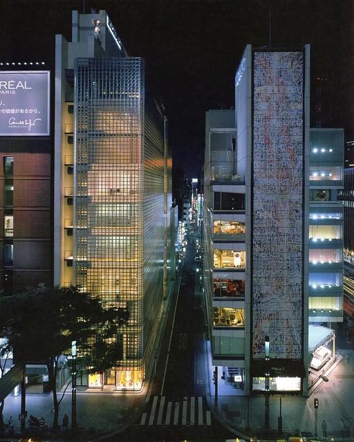 Maison Hermès, Tokyo, Japan. Designed by Renzo Piano, 2001.