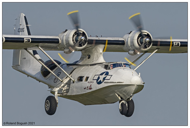 Catalina on final approach at Duxford