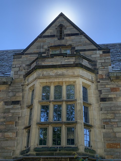 Head of College House