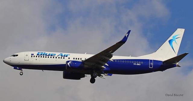 Boeing B737-82R n° 40696/3295 ~ YR-BMJ  Blue Air