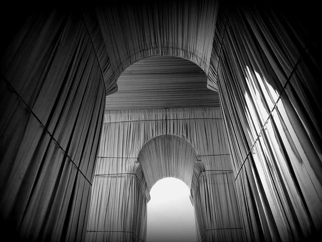 L' Arc de Triomphe wrapped