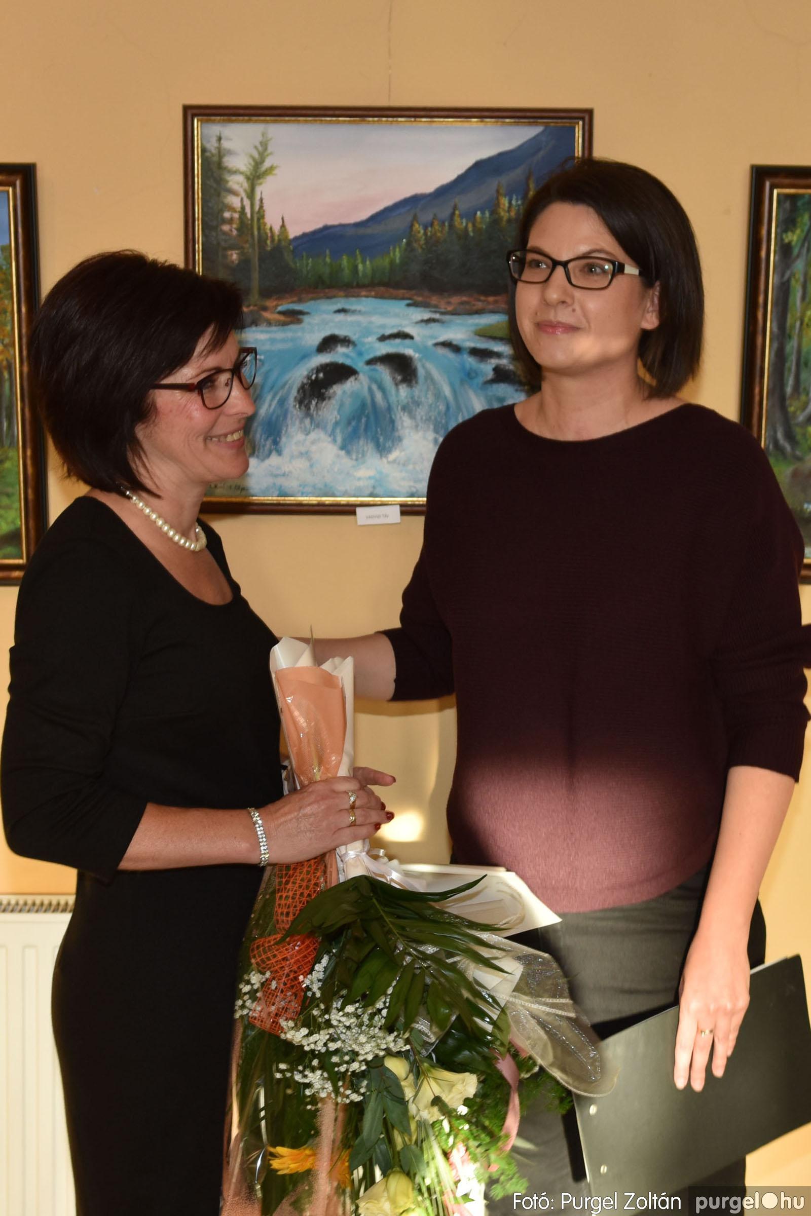 2021.09.24. 023 Molnár-Farkas Olga Szavak nélkül c. festménykiállításának megnyitója - Fotó:PURGEL ZOLTÁN© .jpg