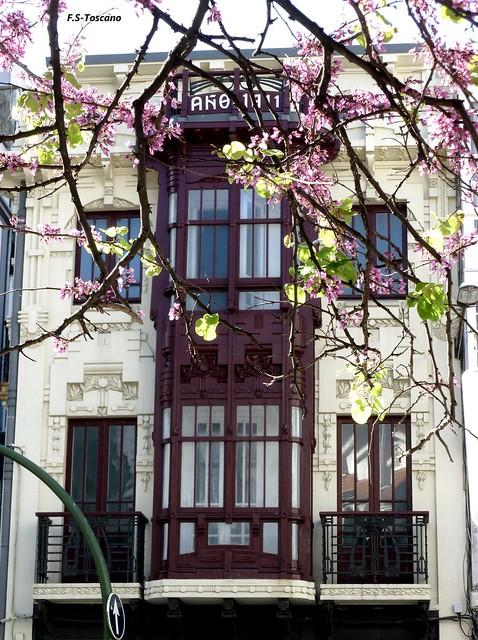 Arquitectura Modernísta en A Coruña. Rúa S. Andres 148. 1.