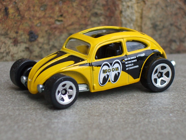 Hot Wheels Custom Volkswagen Beetle Bright Yellow Mooneyes Livery
