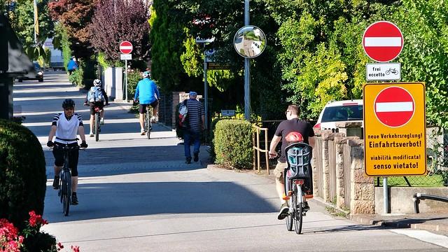 Einfahrtsverbot für Autos, Zweiräder erlaubt