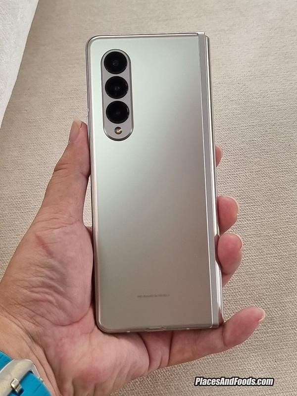 Samsung Galaxy Z Fold 3 camera