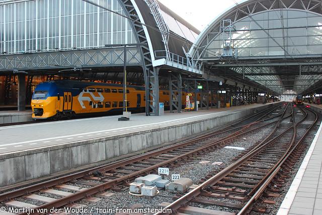 20210820_NL_Amsterdam-Centraal_NS VIRMm2/3 9528