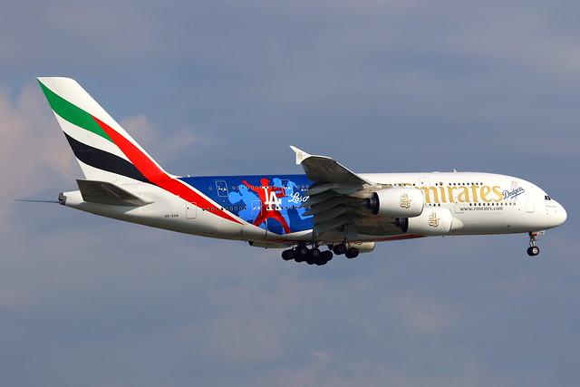 Emirates طَيَران الإمارات Airbus A380-861