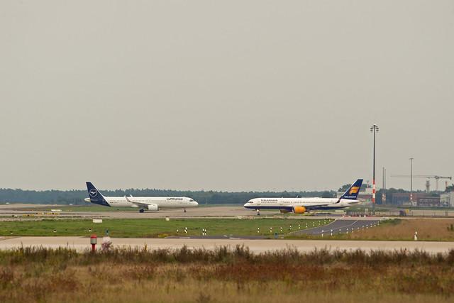 BER Brandenburg 27.9.2021 A-321 NEO Boeing 757-200