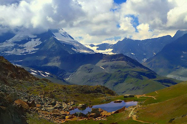 The attraction of high mountain valleys